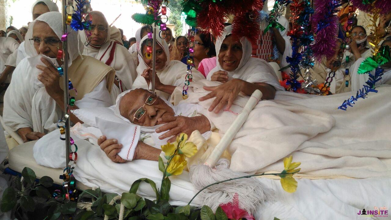114 years old jain sadhviji done yatra of Siddhchal Tirth
