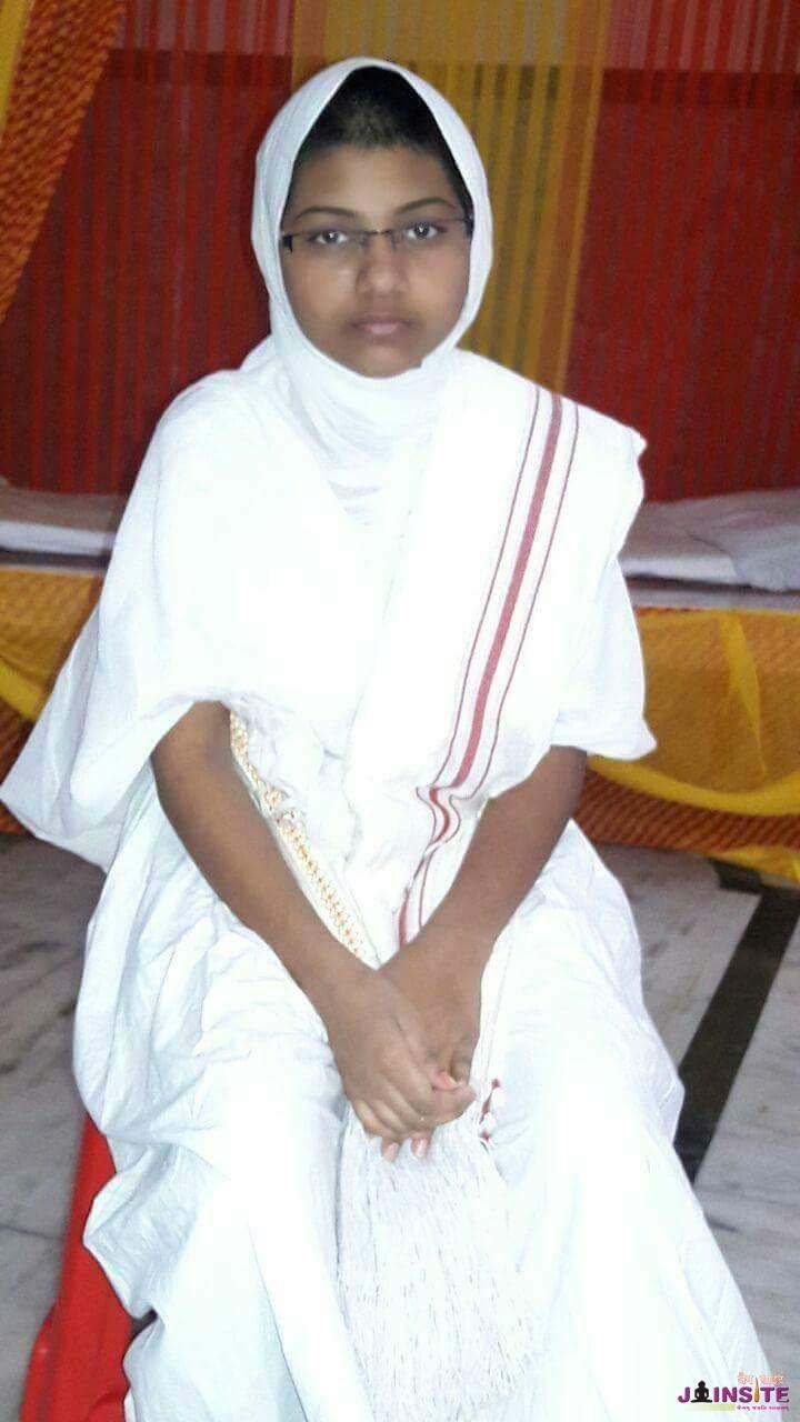 35upvas k tapasvi baal sadhvi ji bhagwant