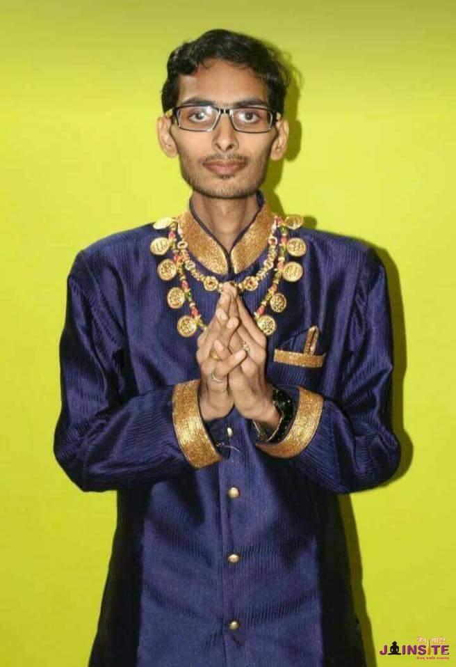 Gunratna Samvatsar Tap Done by 19 years old boy